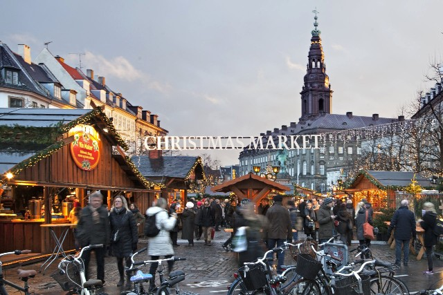 mercatini-di-natale-copenaghen-strøget-poracci-in-viaggio-credit-to-kim-wyon-visitdenmark