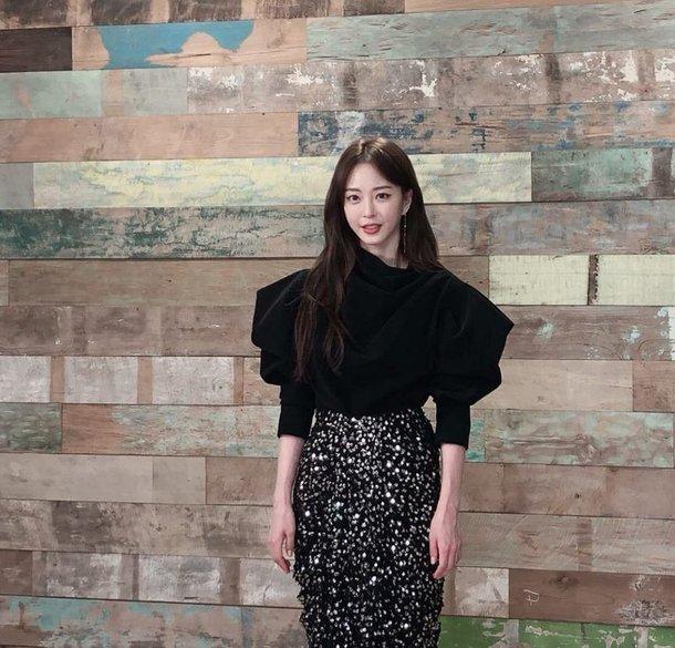 Han Ye Seul son fotoğrafında tam bir Barbie bebek