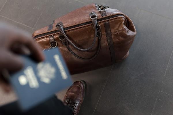 Viagens marcadas para o verão? Estas dicas de segurança são para si