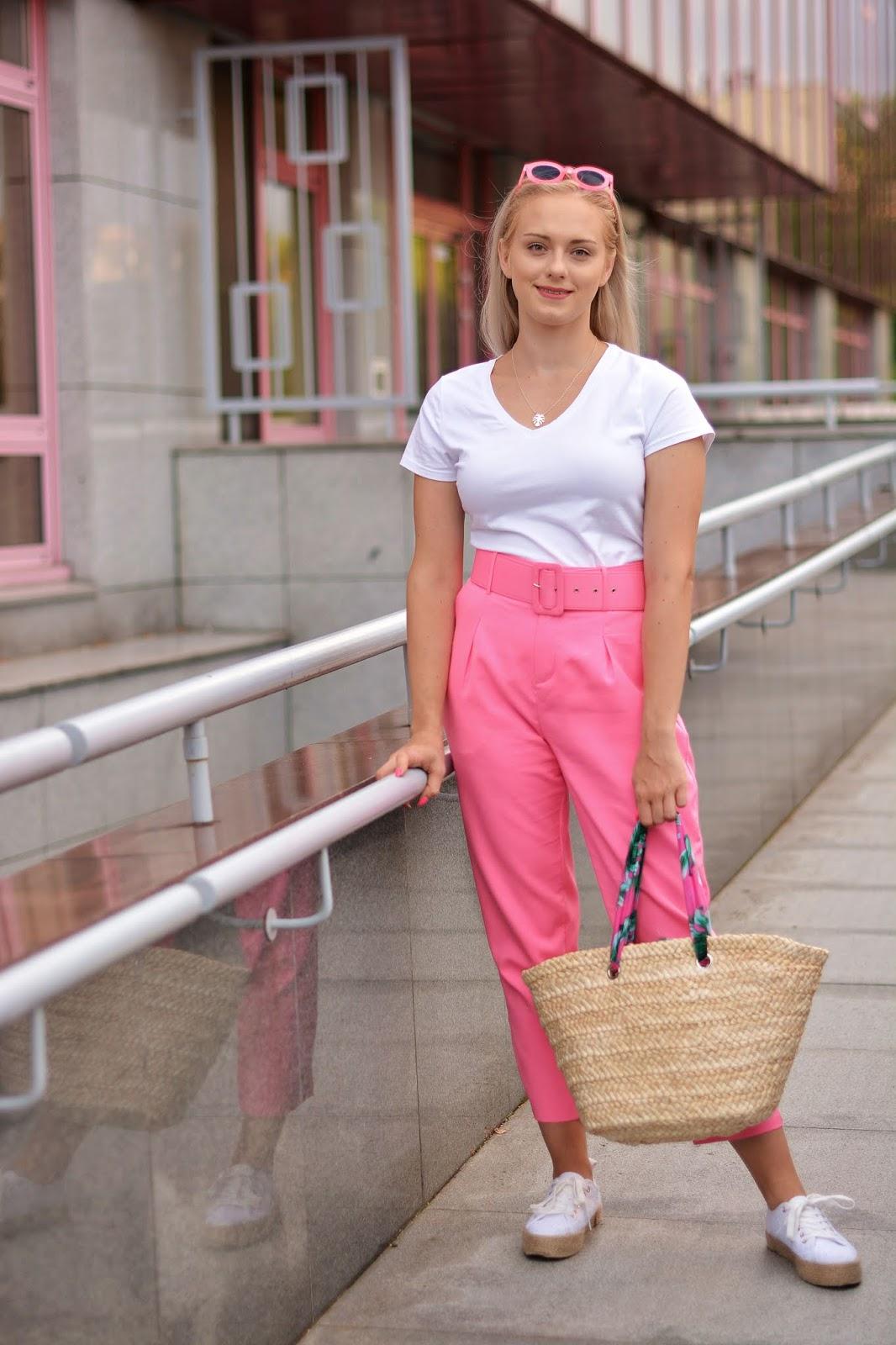 spodnie z szeroką klamrą