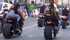 Amerikalı motorcular Amerika'da motorcu festivali