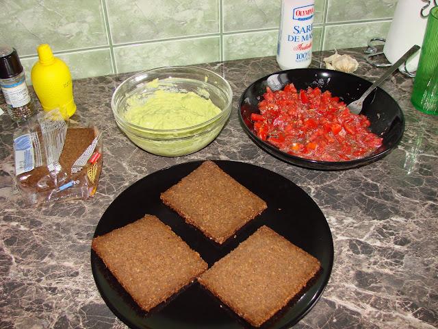 bruschete cu guacamole