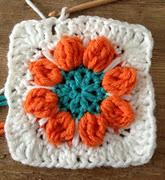 http://translate.googleusercontent.com/translate_c?depth=1&hl=es&rurl=translate.google.es&sl=en&tl=es&u=http://www.annoocrochet.com/2013/02/spring-flower-granny-free-pattern.html&usg=ALkJrhhYRKoRNGCExL1ruQm-ZLTxCGdJtQ