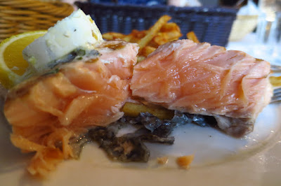 Les Bouchons, salmon