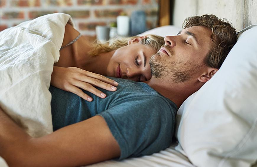 प्यार के बारे में 30 मनोवैज्ञानिक तथ्य   Love Fact In Hindi । Mrx History