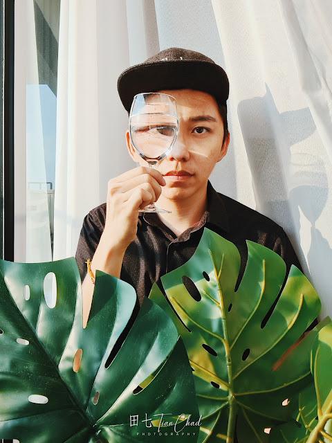 10 Easy Self-Portrait Ideas & Tutorial Using JCapturrust Phone At Home 在家也能拍的十个创意手机自拍摄影教学