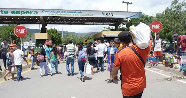 FRONTERA: Travesía desde Venezuela hacia Colombia para comprar alimentos y productos básicos.