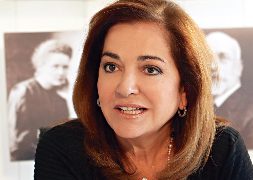 Η Ντόρα Μπακογιάννη θα βρεθεί στη Λάρισα για τη χοροεσπερίδα της ΝΔ