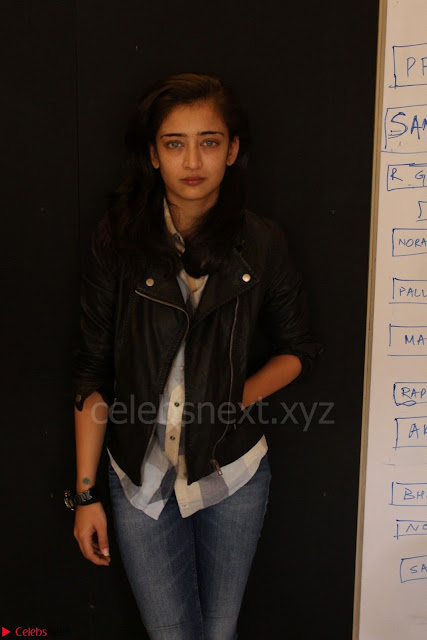 Akshara Haasan spotted at an interview for movie Laali Ki Shaadi Mein Laddo Deewana 008.JPG