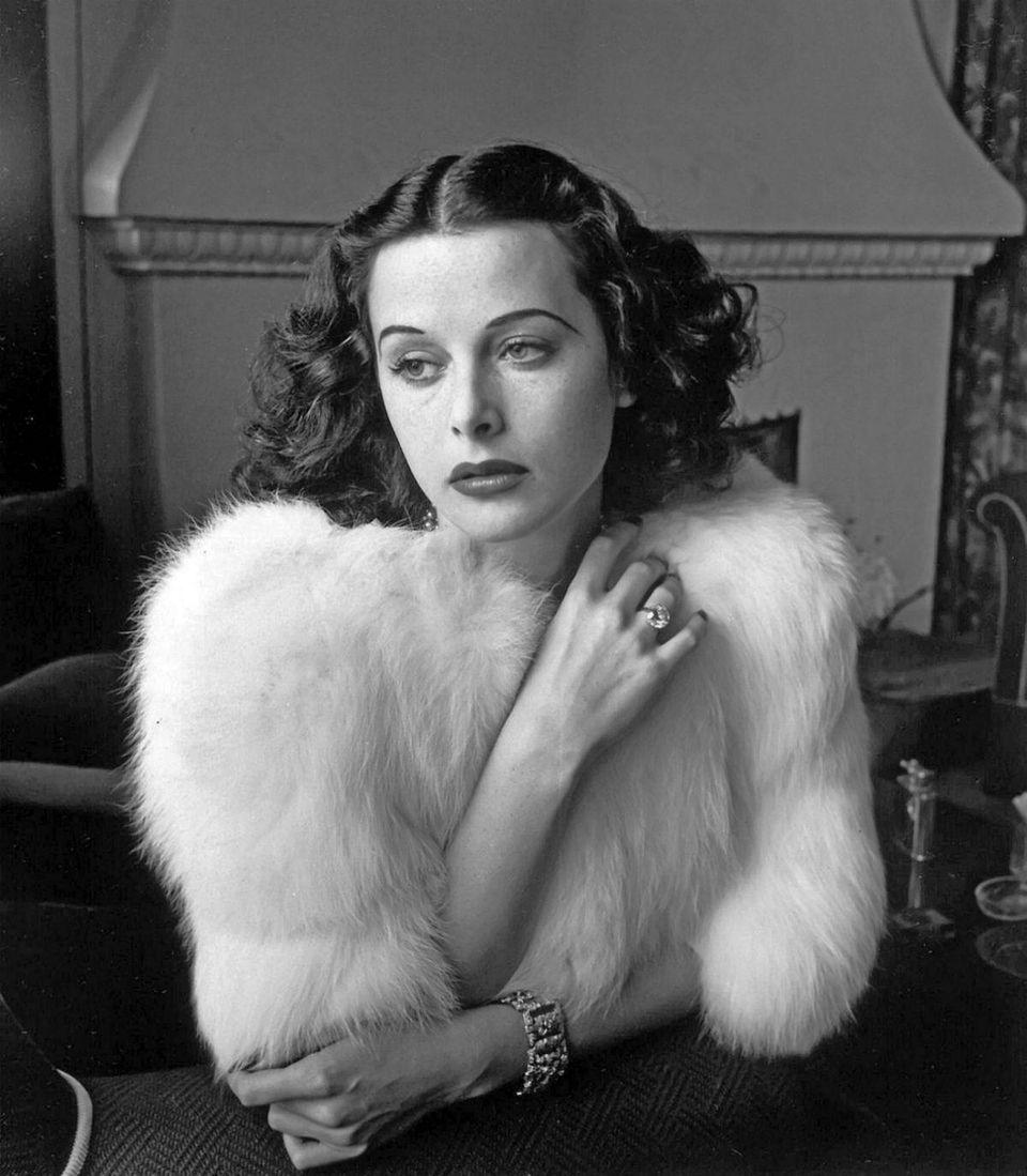 Hedy Lamarr, Wanita Cantik Dibalik Teknologi Bluetooth, Wifi dan GPS