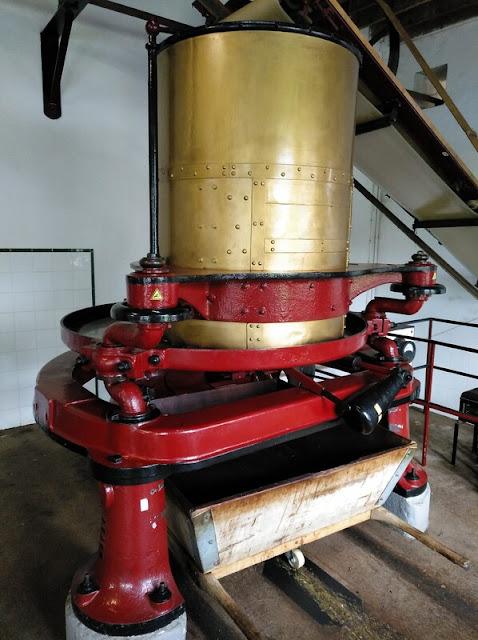 Máquina del siglo XIX para el secado de las hojas de té de la fábrica Chá Formoso en Azores