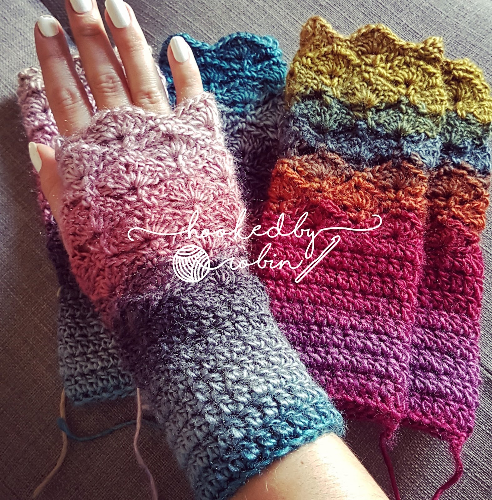 What are called fingerless gloves 68