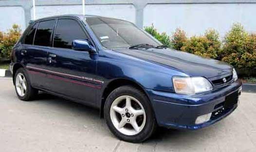 Modifikasi Mobil Toyota Starlet Jadul dengan Gaya Kekinian