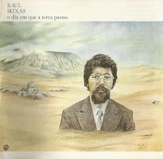 """Raul Seixas na capa do disco """"O Dia em que A Terra Parou"""" de 1977"""