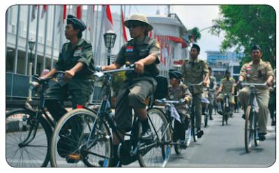 Sepeda Ontel Banjiri Kota Bandung www.simplenews.me