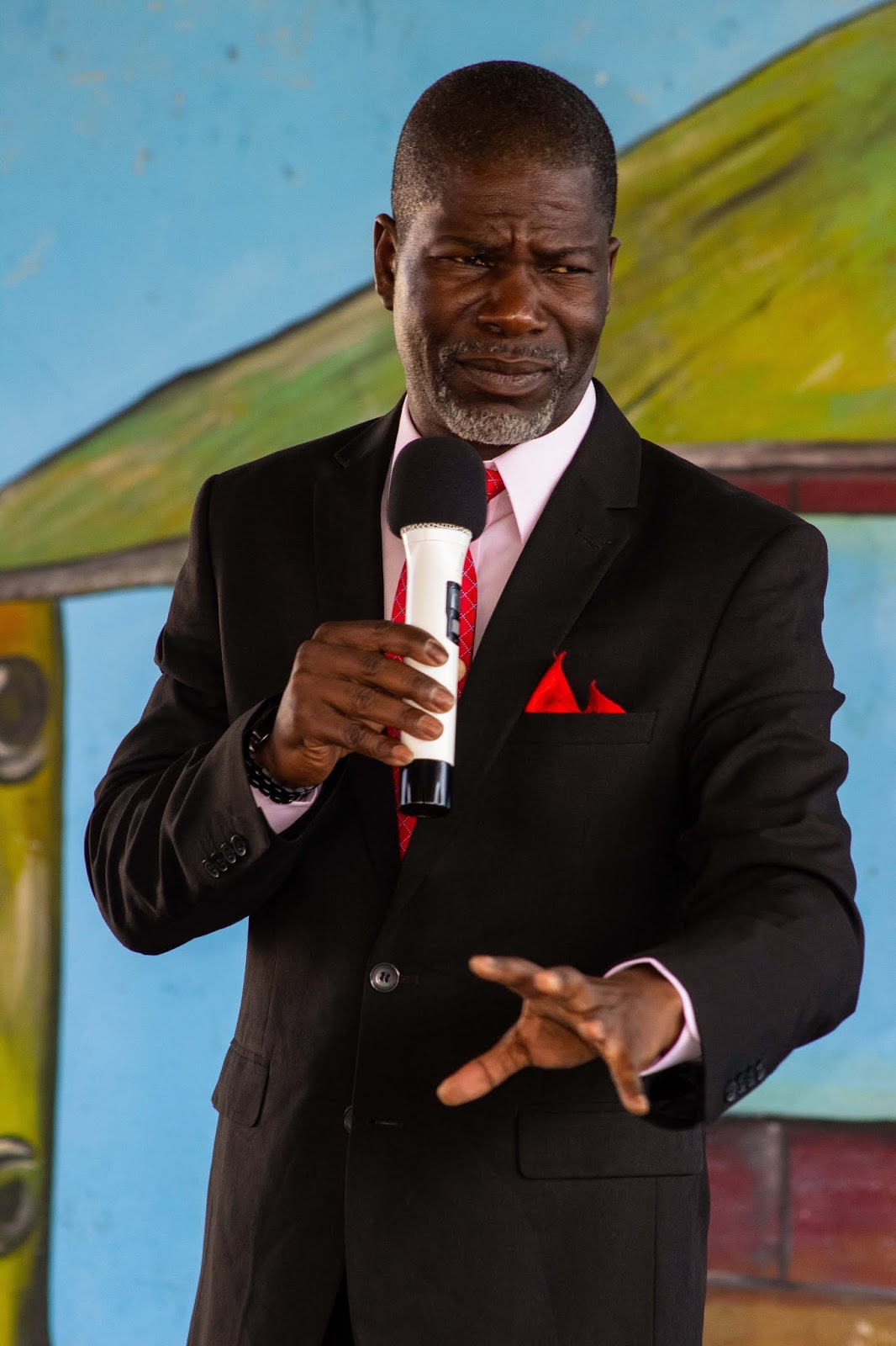 Bishop Nelson Nzvimbo Ministers At Tiyambuke