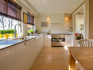 cara-membersihkan-kitchen-set-hpl.jpg