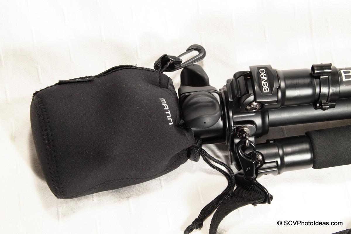 Benro A-298EX + Benro B-2 w/ protective bag detail