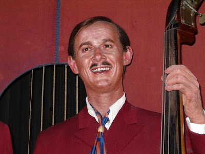 born dick smothers What year was