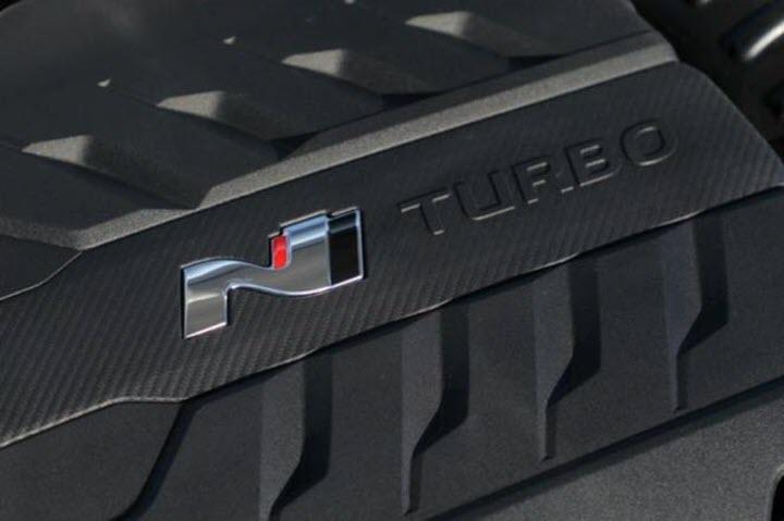 Để tăng hiệu suất của dòng Kona, Hyundai  dự kiến cho ra mắt một biến thể N-Line thể thao hơn và một phiên bản N hiệu suất cao.