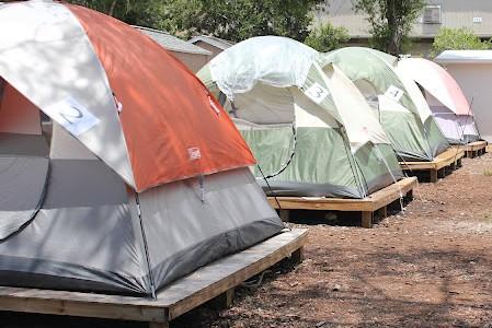 http://1.bp.blogspot.com/-d0vopM1vVH0/T1drNt04pFI/AAAAAAAACQI/2_zjHOUlOgY/s1600/USA+tentes+SDF+camp.JPG