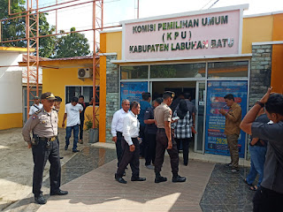 AKP Amdi Karna SH Pimpin Pengamanan di Kantor KPUD Labuhanbatu