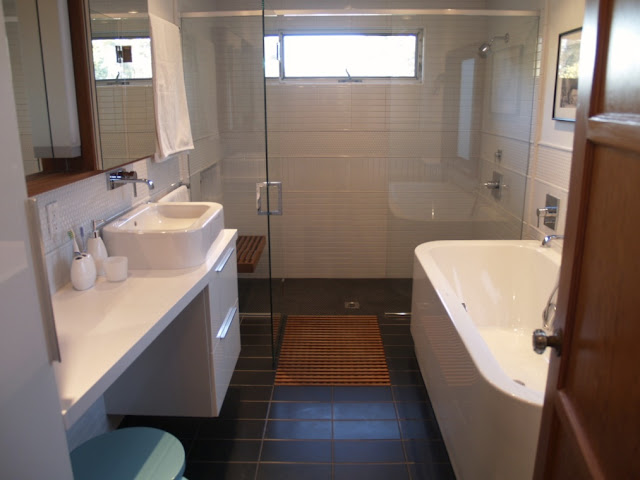 Splog Things That Come Out Marcasel Master Bath