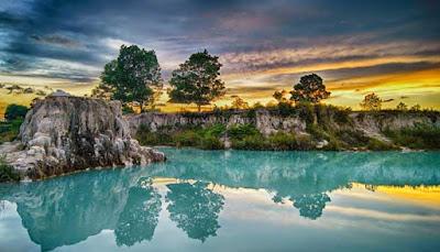 7 Danau Biru Terindah Bekas Galian Pertambangan