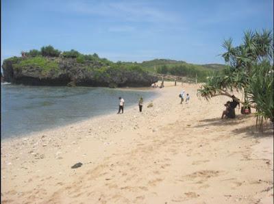 selancar, mencari ikan, rute fasilitas, jalan menuju pantai krakal
