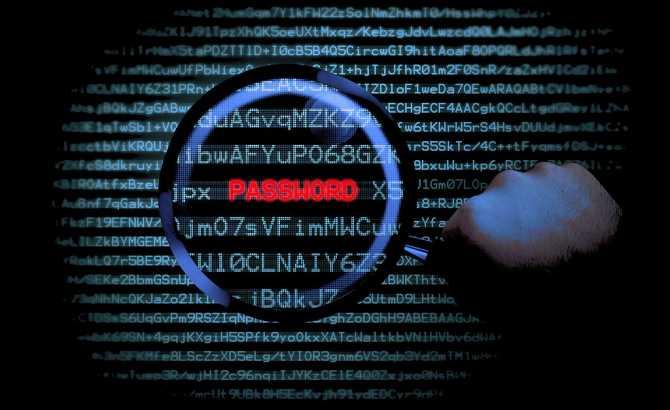 Cambia tus contraseñas: filtrado el mayor robo de usuarios y 'passwords' de la historia