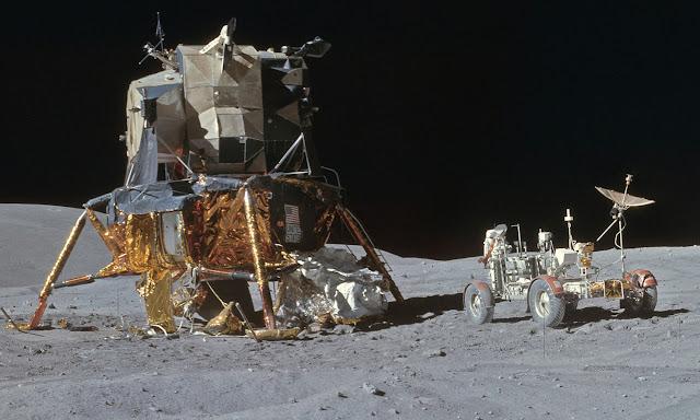Аполло́н-16 Лунный модуль и ровер 3