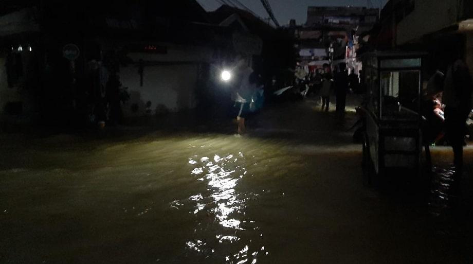 Minim Peralatan, Puluhan Wаrgа Kоrbаn Banjir dі Bіdаrа Cіnа Belum Dіеvаkuаѕі