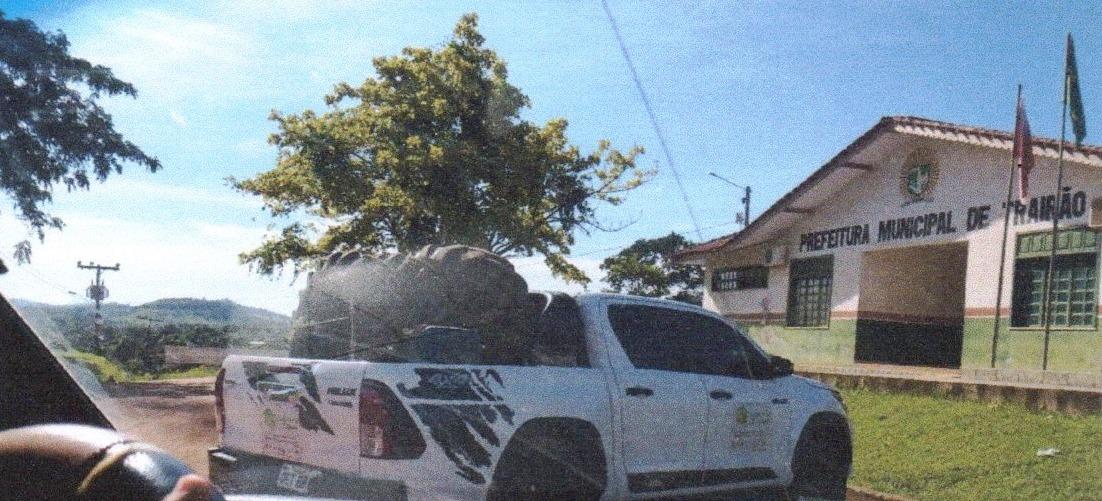 Vice usa carro de secretaria comandada por sua esposa em serviço particular