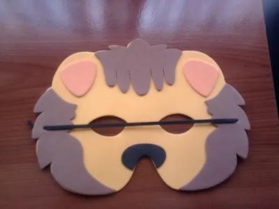 máscara de leóm en EVA