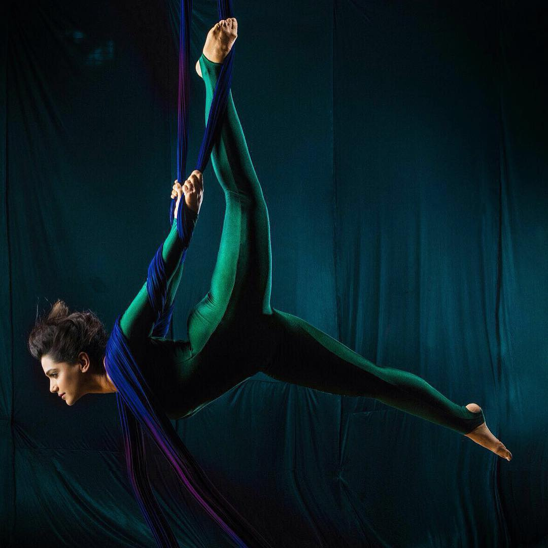 Urmila Kanitkar Aerial Silk Photoshoot - मराठीshoots
