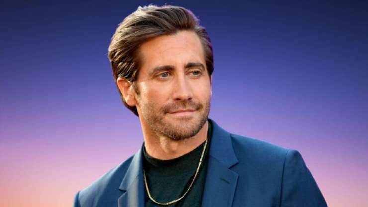 hollywood's one of the best actor Jake Gyllenhaal will be see in 2018 Danish Crime Thriller Drama The Guilty Remake after Netflix acquiring rights.