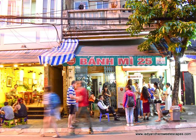 Bahn Mi 25 Stall in Hanoi