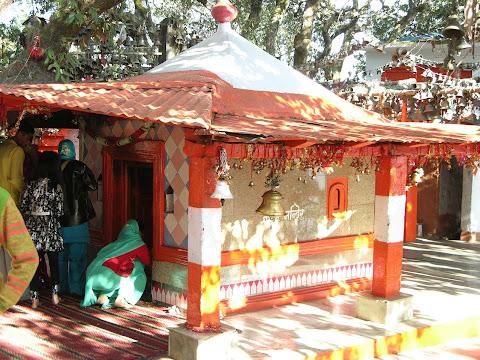 गोलू देवता मंदिर