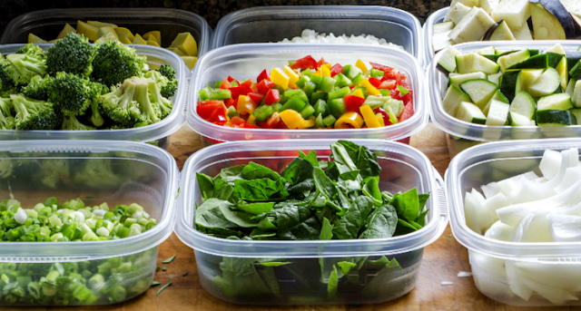 Ini Bahaya Membungkus Makanan Panas dengan Plastik