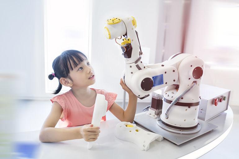 tus-hijos-deberían-llevar-un-curso-de-robotica-robots-aprendizaje-educacion-educativa-robotics-lego-duplo-arduino-ninos-ninas-adolescentes-jovenes-cursos-clases-talleres-arequipa-peru
