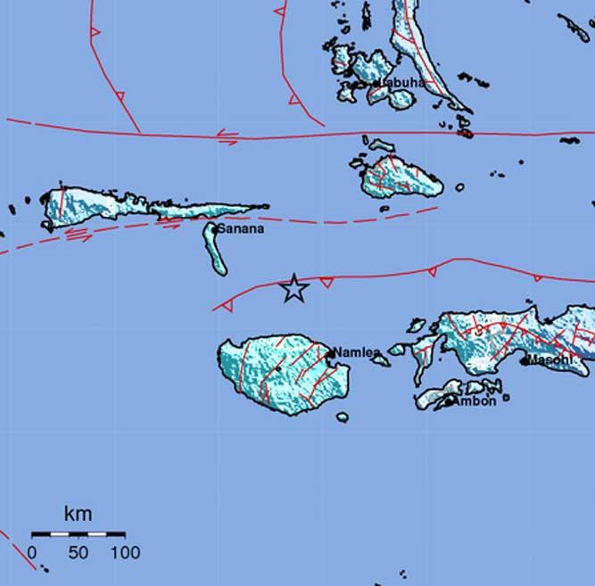 Ambon, Malukupost.com - Gempa tektonik berkekuatan 5,0 Skala Richter (SR) mengguncang Pulau Buru,Provinsi Maluku pada Selasa, sekitar pukul 18.30 WIT.    Berdasarkan data yang dihimpun dari BMKG, Selasa (27/2) malam, mencatat, lokasi gempa berada di 2.64 Lintang Selatan dan 126.73 Bujur Timur atau 76 KM Timur Laut Pulau Buru.    Gempa berpusat pada kedalaman 10 KM di bawah laut.