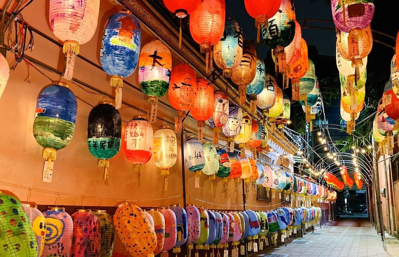 [活動] 過年新景點 鄭成功祖廟花燈隧道 逾千燈籠飄濃濃年味