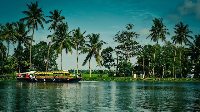 State of Kerala-Map-Population-Beaches-Tourism-Culture-Info etc,