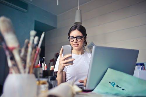Faixa salarial R$ 1.800 a R$ 2.300 - Especialista em Facebook Ads - Pode candidatar-se candidatos de todo o Brasil