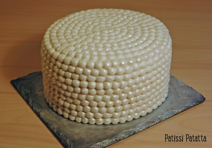 cake design, gâteau 3D, pâte à sucre, gumpaste, fondant, perles