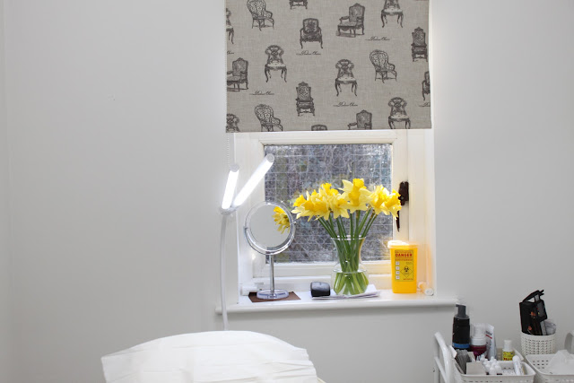 Decor in The Silver Blade's treatment room, including daffodils