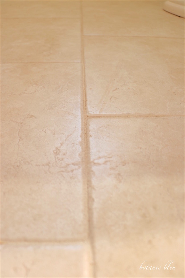 white-porcelain-tile-like-stone