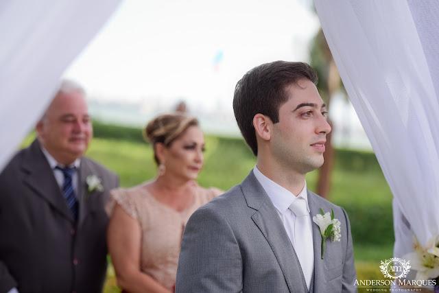 casamento real, destination wedding, mini wedding, cerimônia na praia, casamento ao ar livre, anderson marques, noivo esperando a noiva