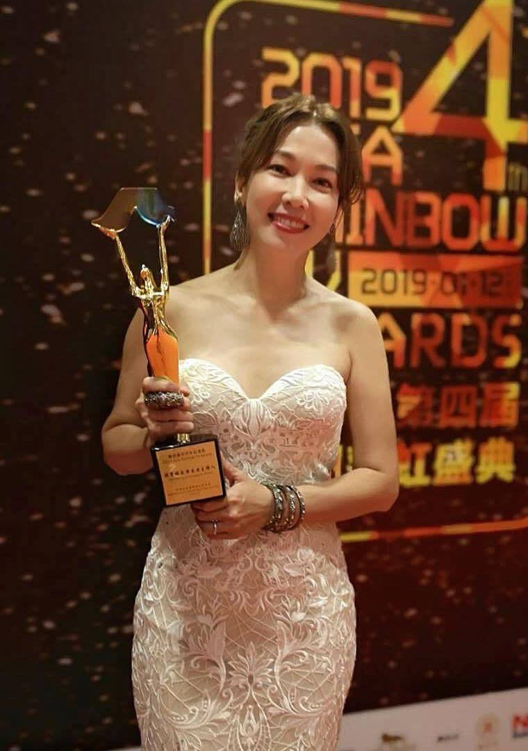 Veteran host Kym Ng clinched the award for Outstanding Variety Host for Ah Ma Can Cook.