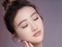 7 Cara Memerahkan Bibir Secara Alami
